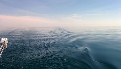 calm stern wake - small
